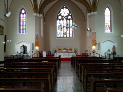 Main altar with Our Lady's & St.Laurence O'Toole shrines to sides